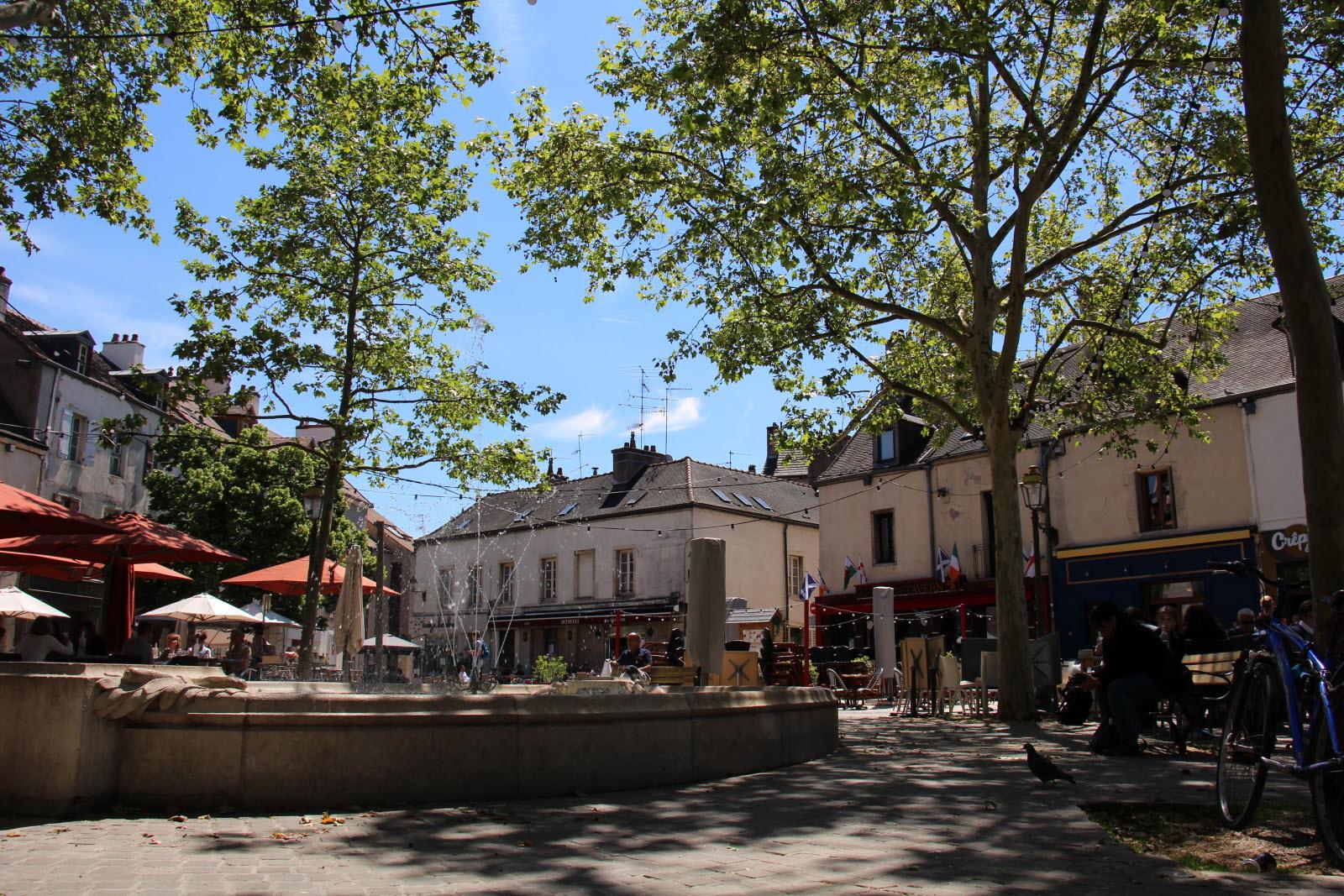 DIJON RESTAURANT CENTRE-VILLE - Bureau Local Entrepôt